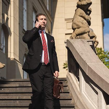 Rechtsanwalt Max Bartusch vor Gericht