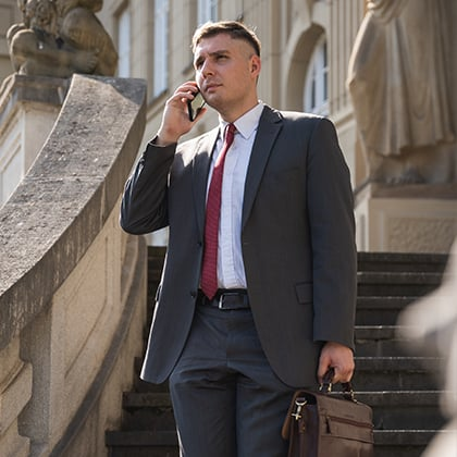 Rechtsanwalt Patrick Bass vor Gericht